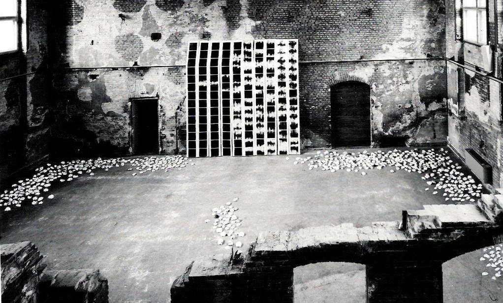 Fluss/Kawa, <Dialog> mit Angerik Riemer, Installation Akademie der Künste, Experimental-Studio,  im alten Hörsaal von Rudlf Virchow in der Charité