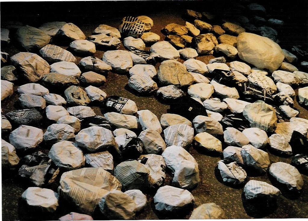 stein aus Papier, im alten Hörsaal von Rudlf Virchow in der Charité 1997