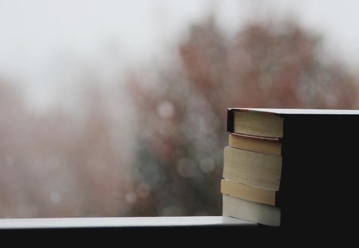 12 libri per tempi incerti