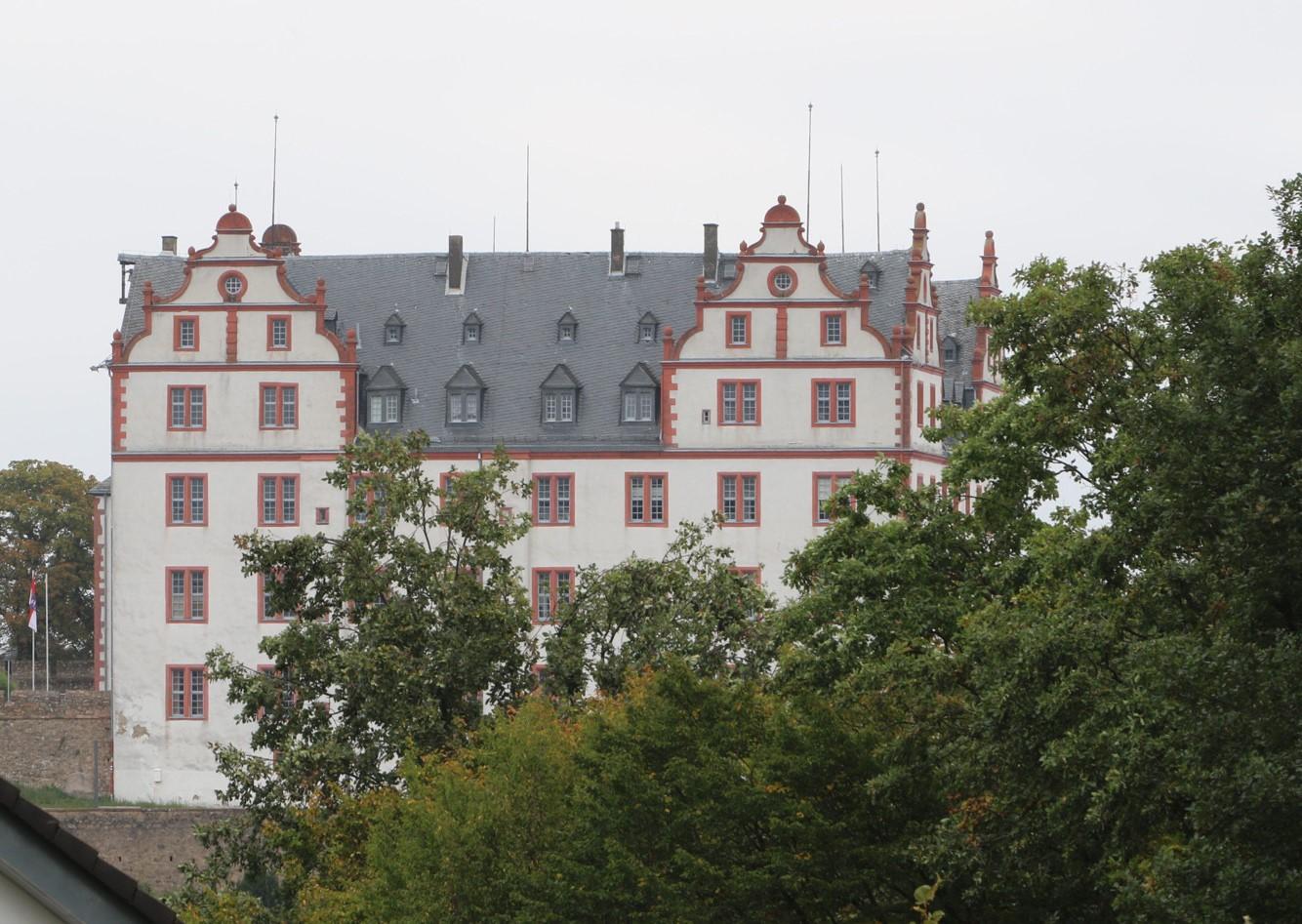 heute besichtigen wir Schloss Lichtenberg