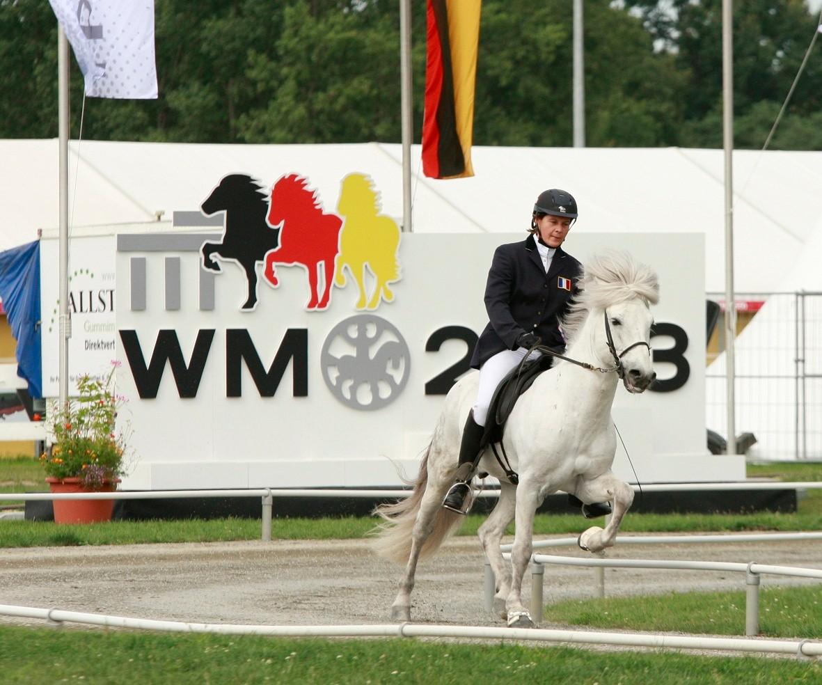 Pascale Kugler dans l'épreuve de Tölt T1
