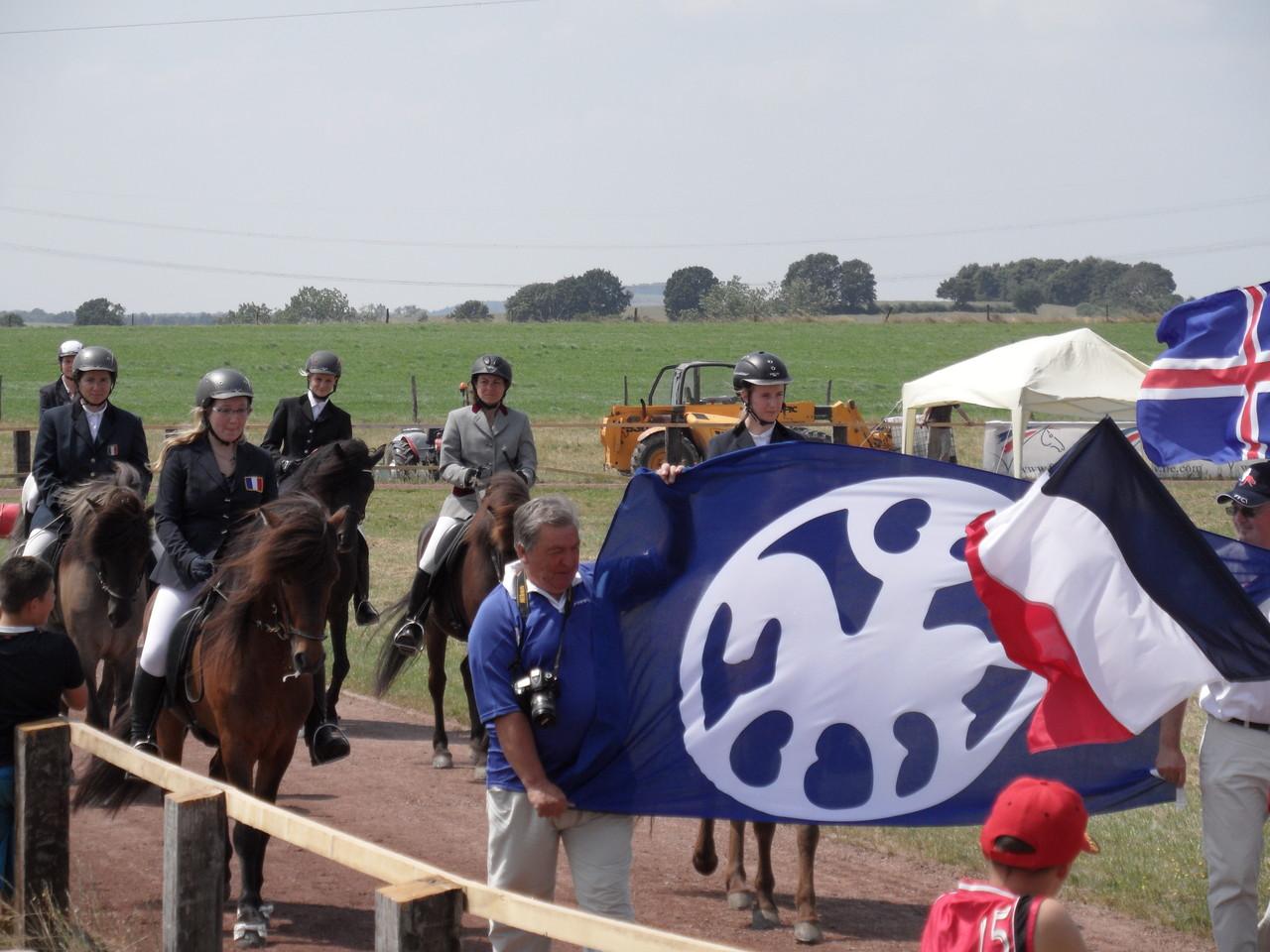 Parade des cavaliers et chevaux sélectionnés pour les Championnats du Monde - Photo FFCI