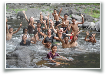 volunteer, volunteering in Bali, children, education, teaching children, having fun,