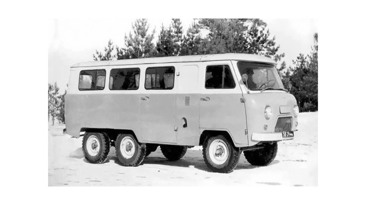 Un prototype de fourgonnette 6x6