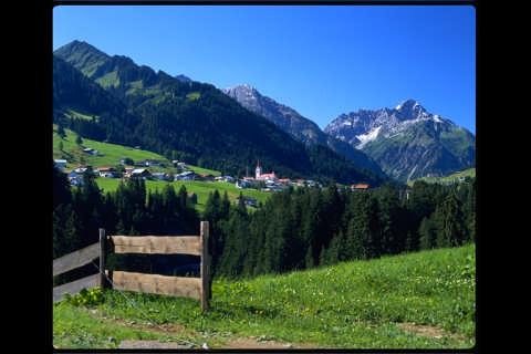 Bergblick garantiert: Von Ihrem Feriendomizil aus fotografiert