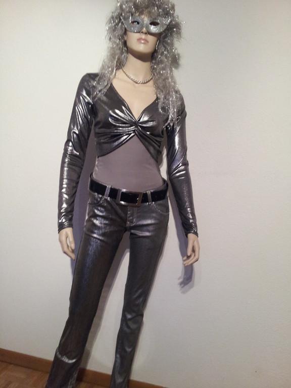 SILVER-GIRL, Silberstrech Jeans, Fr. 12.- /Bolero, Fr. 8.- (Gr. S + M)