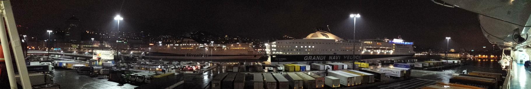Hafenpanorama von Genua
