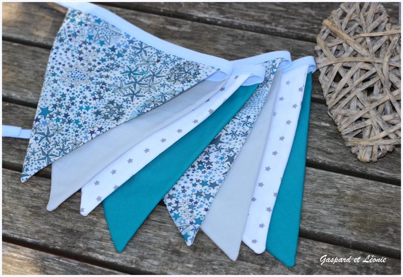 Guirlande De 8 Fanions Liberty Adelajda Bleu, Gris, Blanc Et Bleu Canard