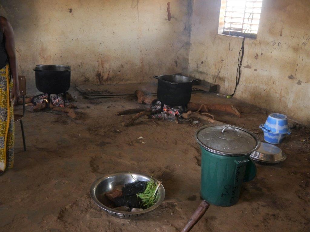 ...das ist ihre Küche...