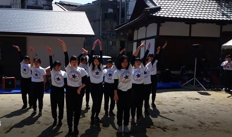汎愛高校ダンス部による迫力あるダンスパフォーマンス1