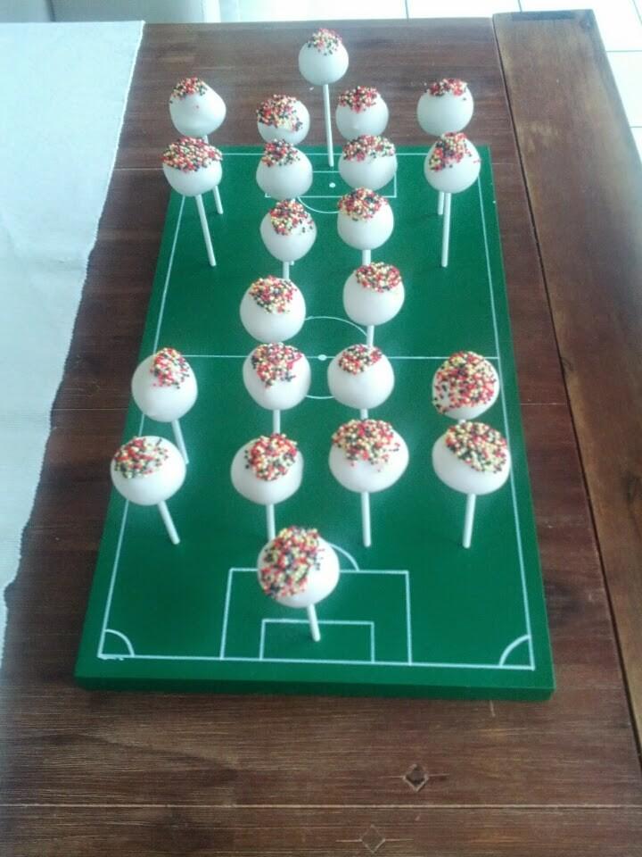 cake pops zum WM-Deutschland-Spiel...