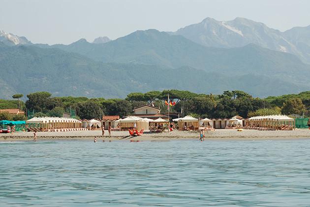 Ein Tag am Strand. Gerade die toskanische Riviera bietet sich für Gruppen an.
