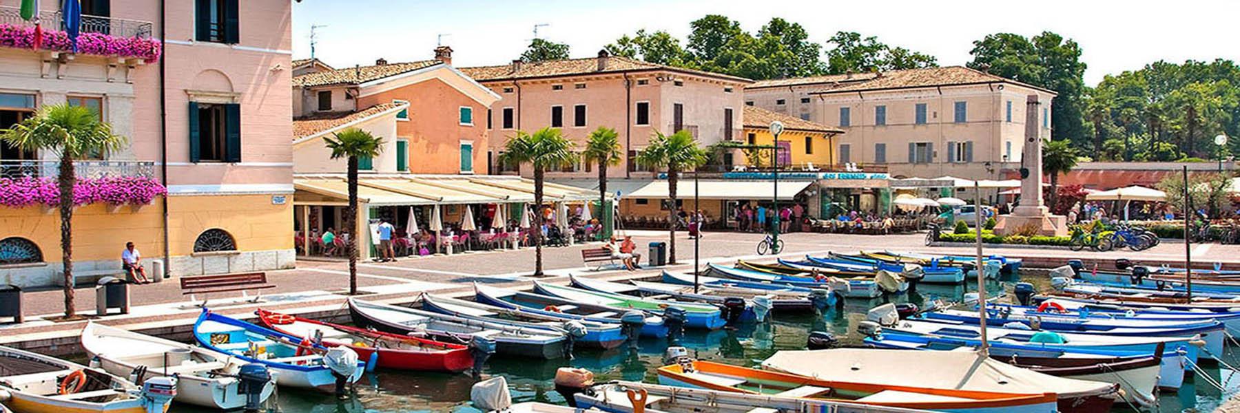 Flanieren an der Seepromenade von Bardolino - Golf & Spa Bardolino