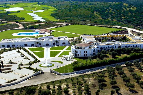 Apulien bietet alles: Strand, Golf, hervorragende Gastronomie, Sonne. Apulien ist im Kommen!