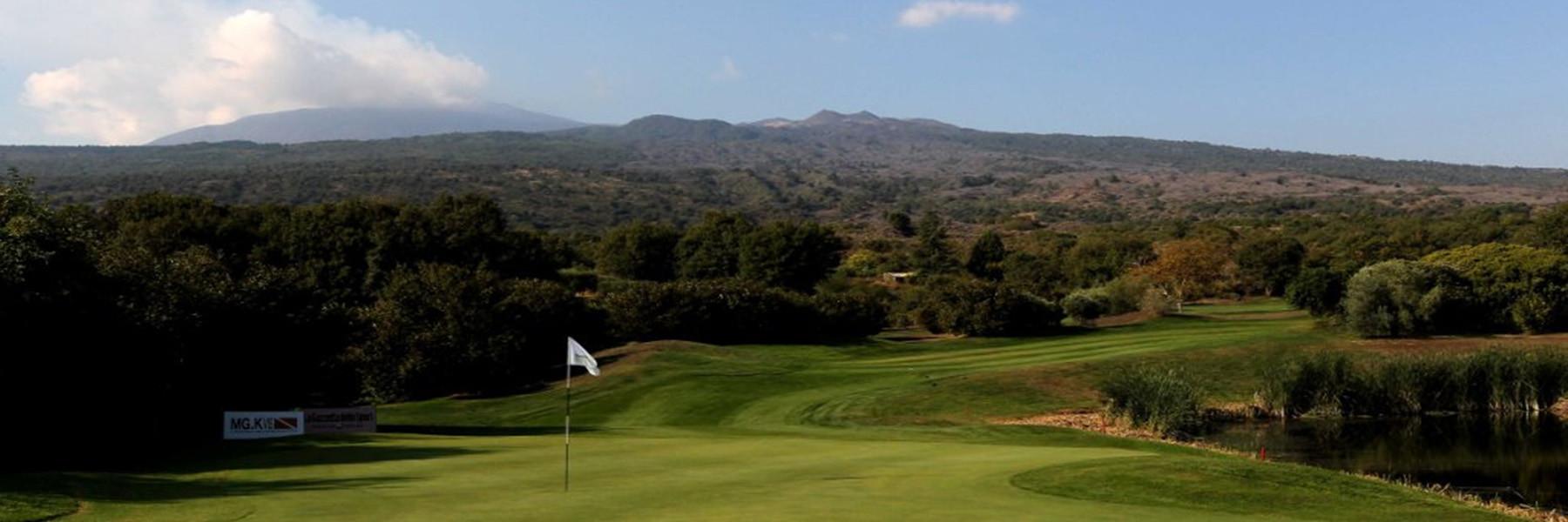 Am Fuße des Etna liegt der älteste Golf Club Siziliens - Il Picciolo Golf