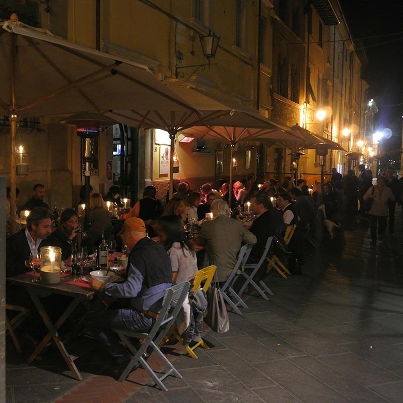Abends in Italiens Innenstädten-la vita è bella!