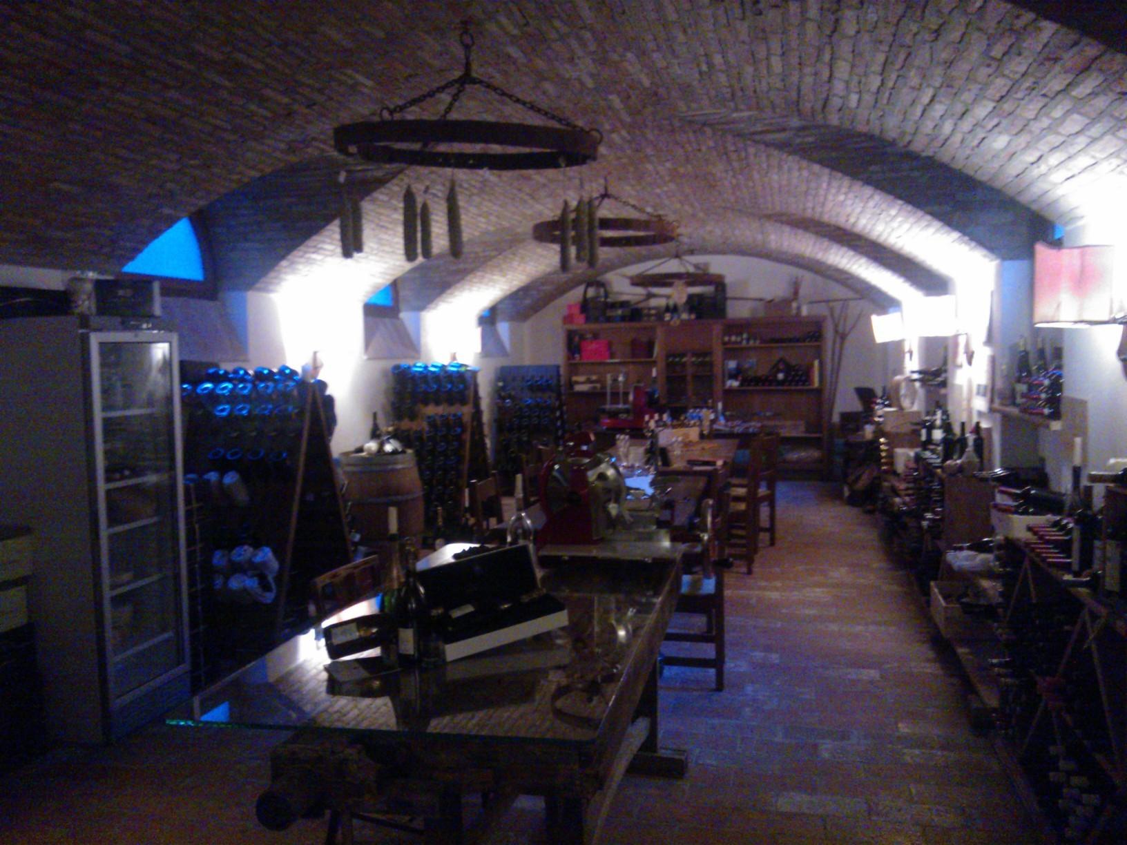 Eine Weinprobe ist hier obligatorisch. Italia Golf Tours Pakete beinhalten eine Weinprobe bei Berlucchi.