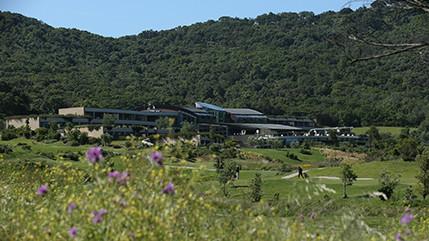 Designhotel in Strandnähe, mit Golfplatz und Spa