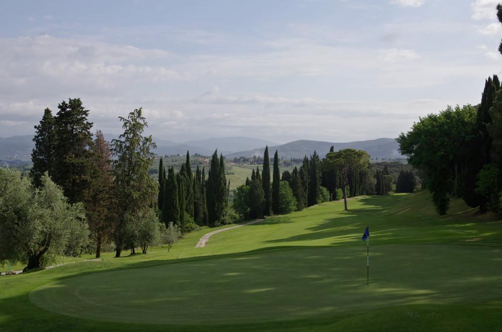 Viel Hanglagen machen den Golf Ugolino zur Herausforderung.