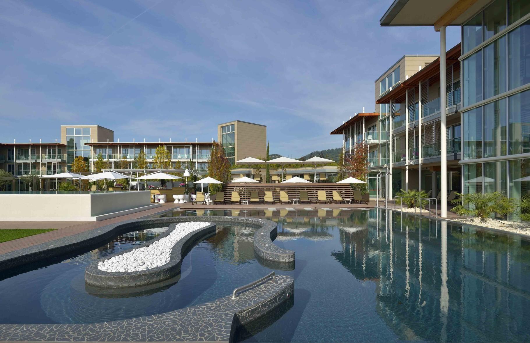Gardasee bardolino italia golf tours - Hotels in verona with swimming pool ...