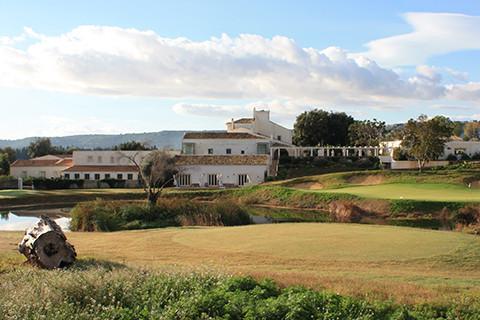 Ruhig gelegenes Golfresort bei Siracusa.