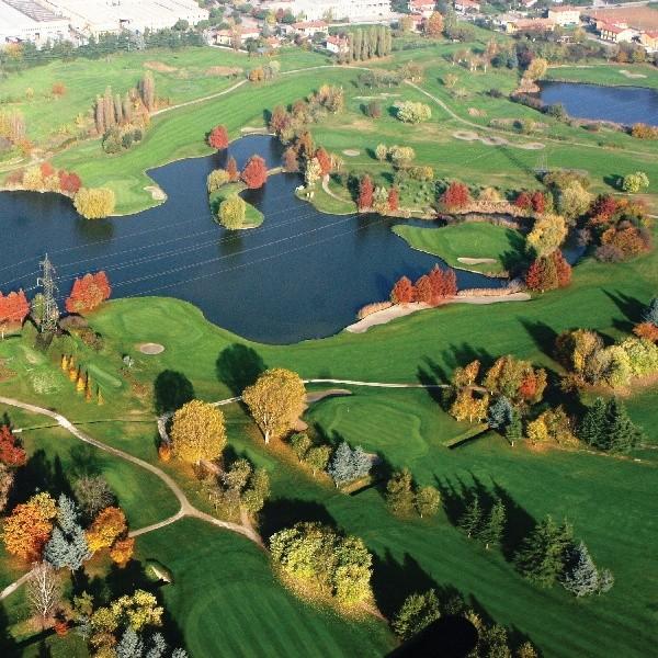 Franciacorta Golf Club, 27 Bahnen Meisterschaftsgolf mitten im Weingebiet. Herrlich!