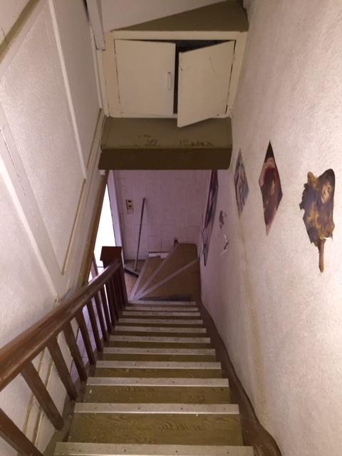 Treppenabgang zum Erdgeschoß