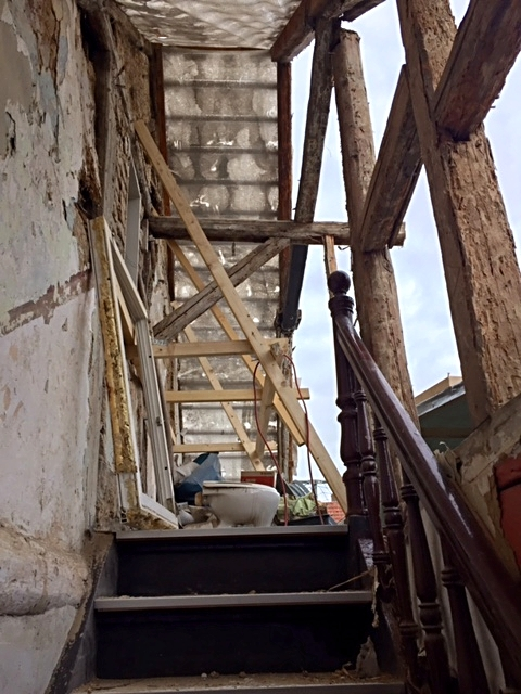 Treppenaufgang ohne Dachstuhl