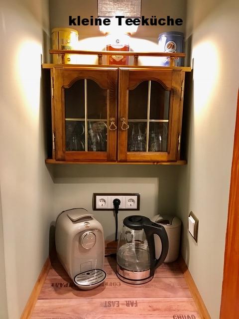 kleine Teeküche mit Kühlschrank zur gem. Nutzung möglich