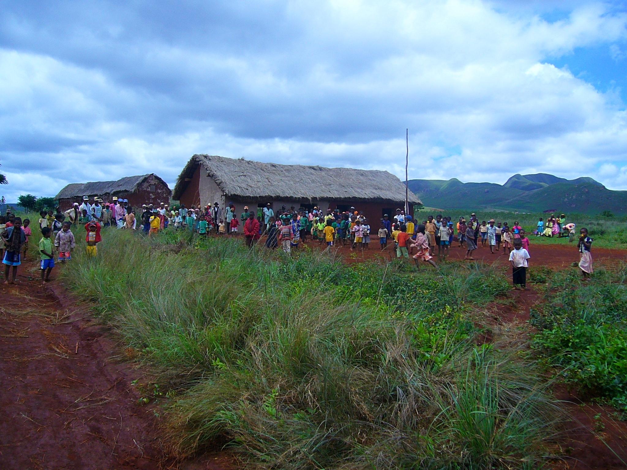 Soavina, une autre petite école de brousse que nous aidons toujours
