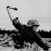 "<img src=""image.jpg"" alt=""WW2"" title=""1933-45"">"