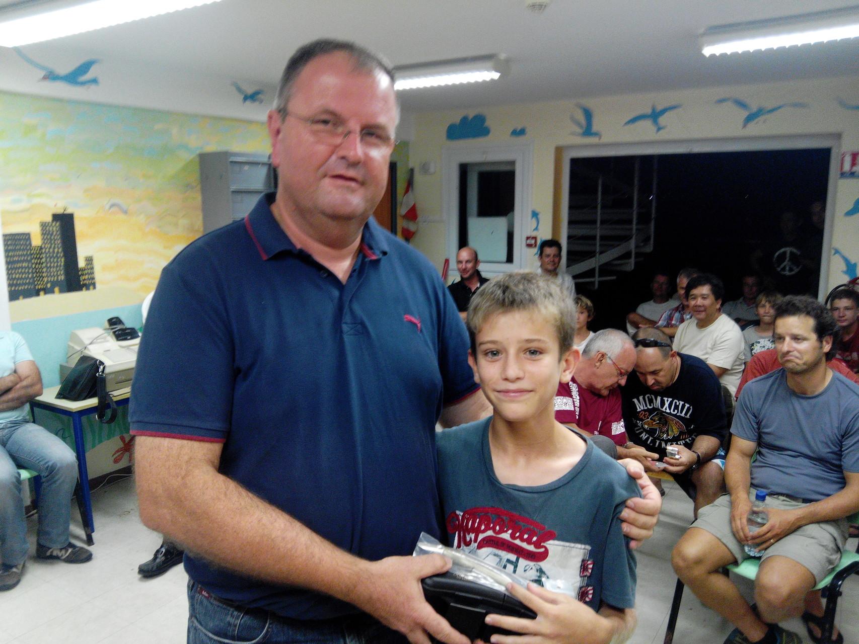 Eliott vainqueur du dernier concours junior de l'année 2014 avec 5 prises (407cm)