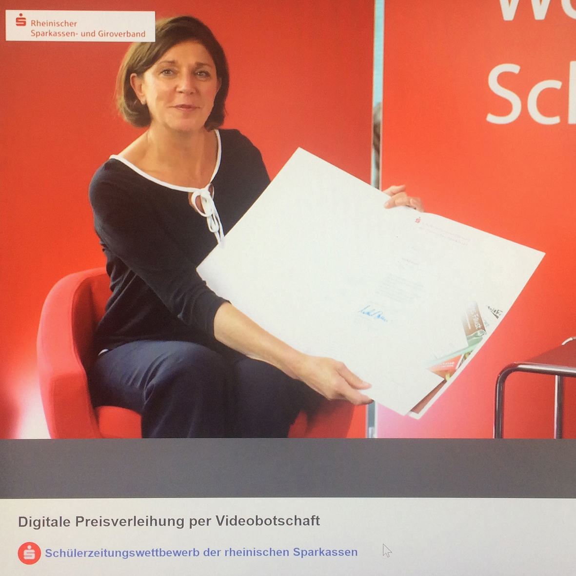 NRW Schulministerin Yvonne Gebauer verlieh jetzt per  Videobotschaft den 3. Preis an die DP-Redaktion in Kevelaer gemeinsam mit