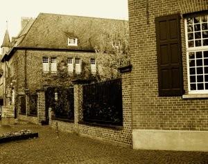 1859 wurde im Westflügel des Kevelaerer  Priesterhauses eine neue Rektoratsschule  eingerichtet.