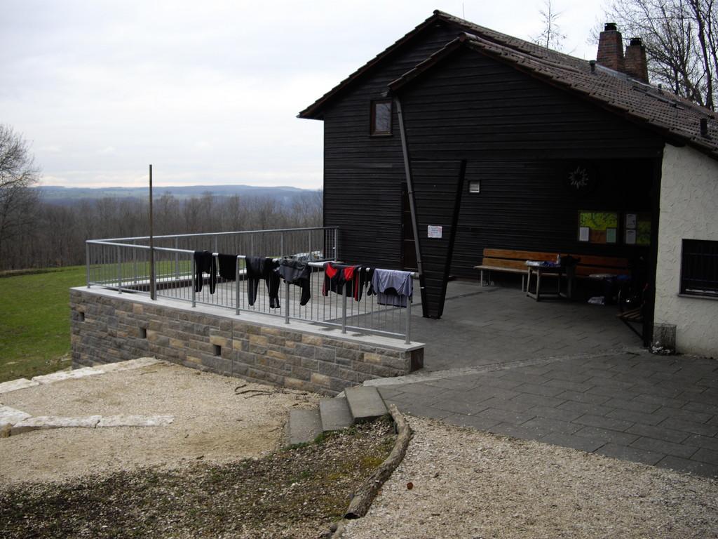 31.03.08 - mein erster Biwakplatz, das Albhaus der DAV Sektion Stuttgart