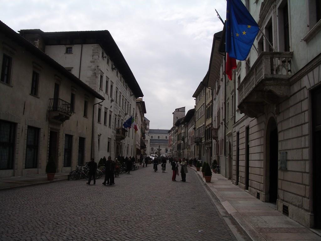 10.04.08 - Zentrum von Trento - wie bei Hannibal Lector