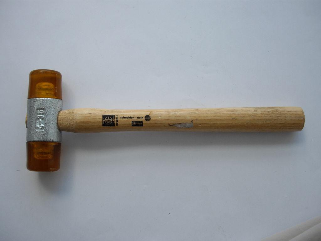 Kunststoffhammer - 398 g - ging schon in der Türkei kaputt