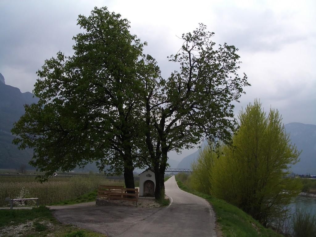 10.04.08 - Radweg an der Etsch Richtung Rovereto