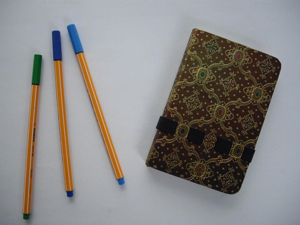 Notizbuch + 2 Schreibstifte - 155 g