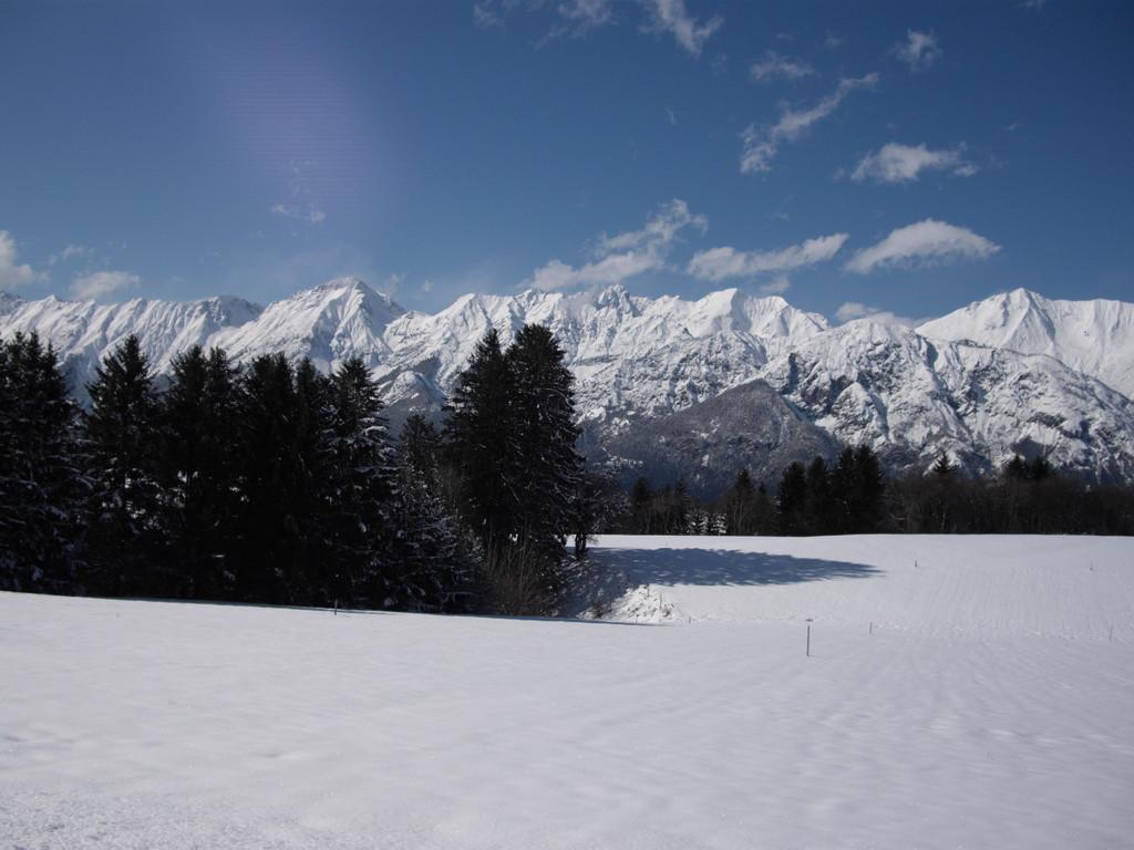 07.04.08. - Die Karwendelgebirgskette oberhalb des Inntals Richtung Deutschland