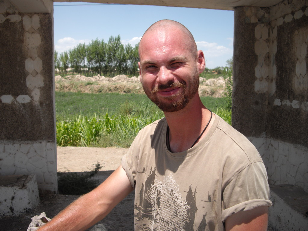 19.07. Greg - the hungarian cyclist infomiert mich über die wichtigsten Dinge in Uzbekistan