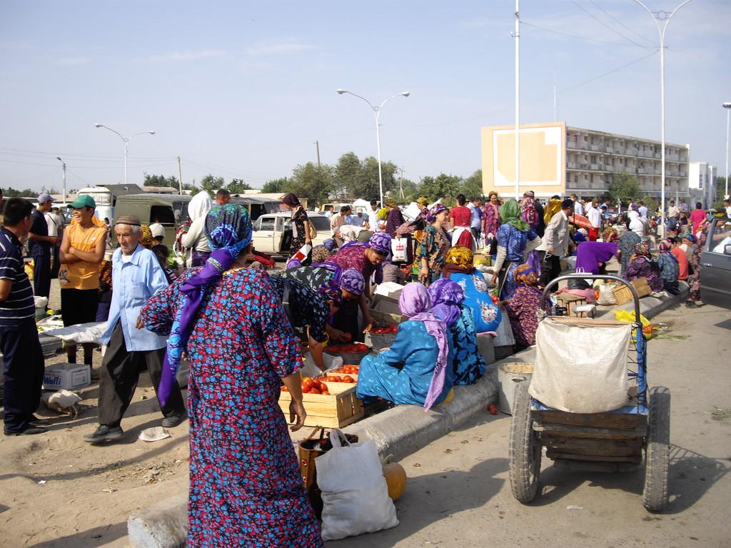 17.07.auf dem Markt in Bajramaly