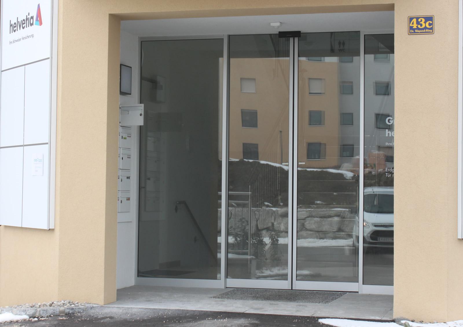 Ärztezentrum Kirchdorf 300r mit Seitenteilen