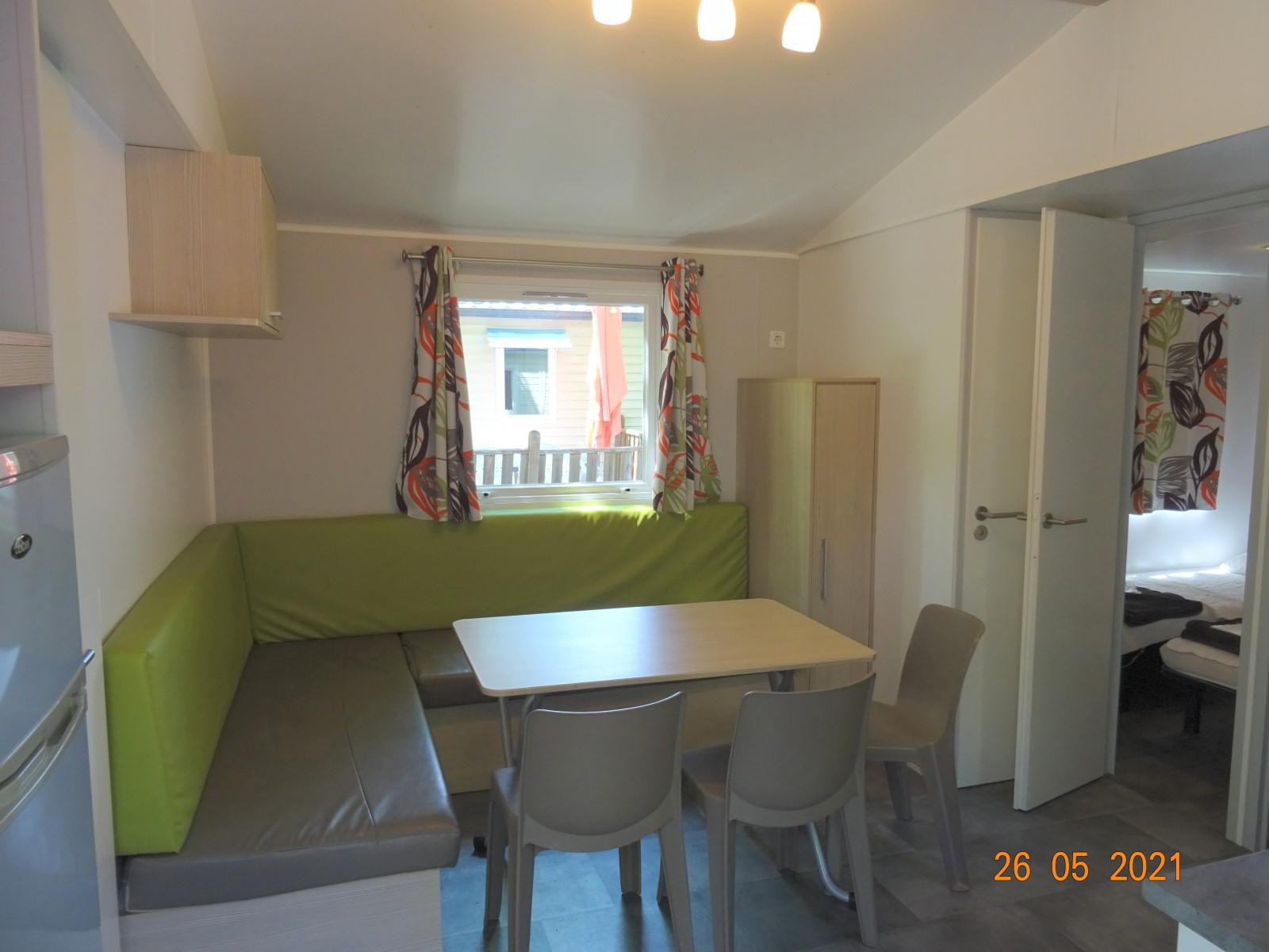 Stacaravan 3 slaapkamers, woonkamer