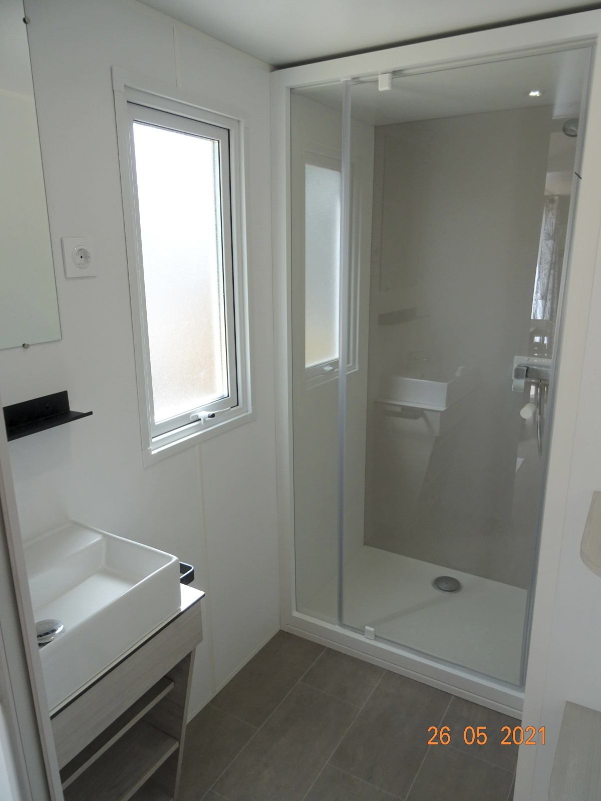Sanitair, nieuwe stacaravan met 2 slaapkamers