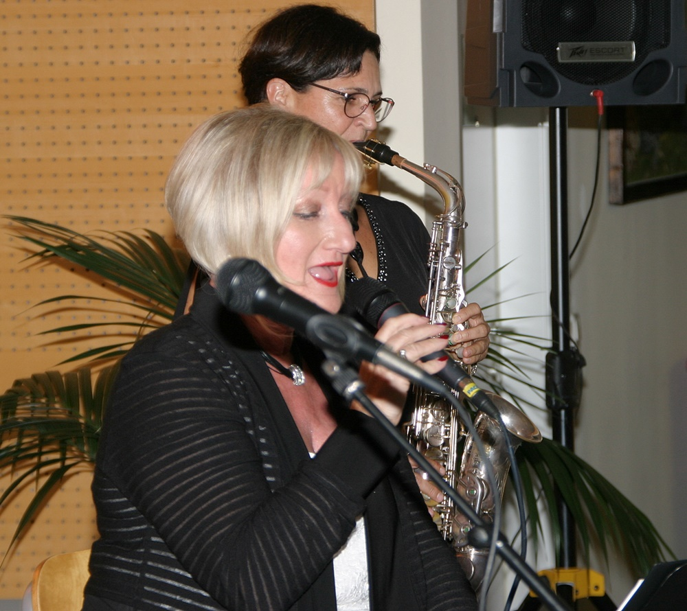 Melodien die verzaubern - ein musikalischer Coctail aus Swing - Musical - Klassik DW 2018