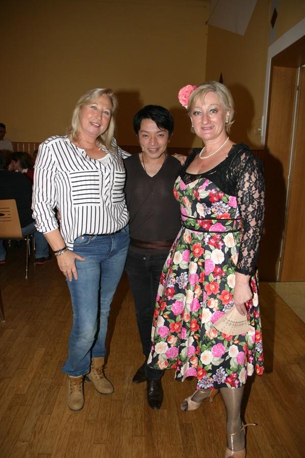 Back to the 50´s - Die Tanzveranstaltung 2016 / Modedesigner La Hong und Christine Brunhölzl vom Verein auf Augenhöhe