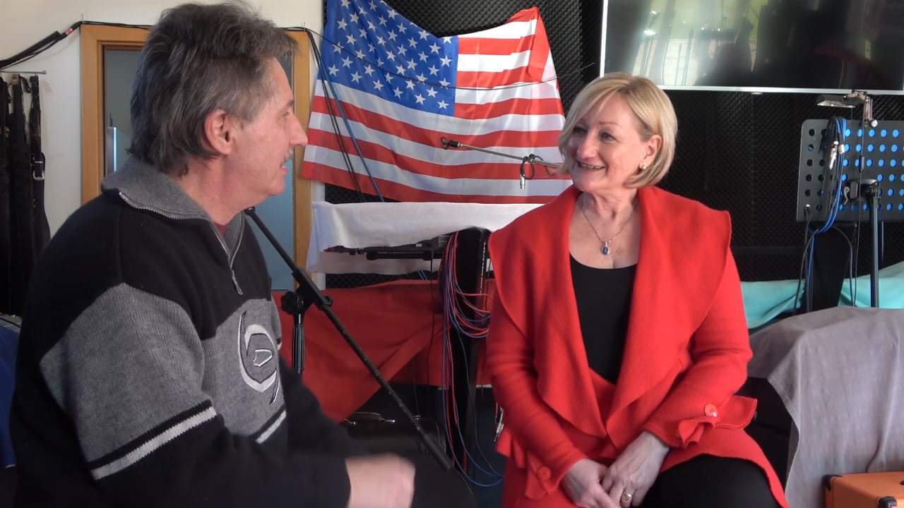 Interview in L. E.  © Robert Ebhart TV21