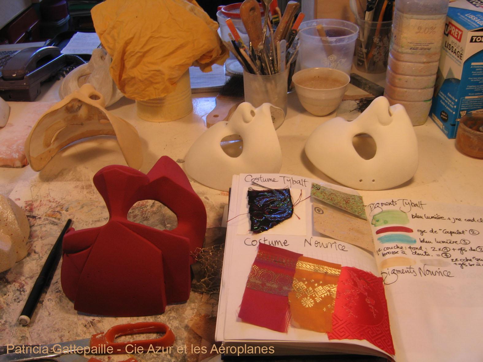 """Dans mon atelier  -  création de masques pour 3beaucoup de bruit pour rien"""" m.e.s de Benoit Lavigne"""