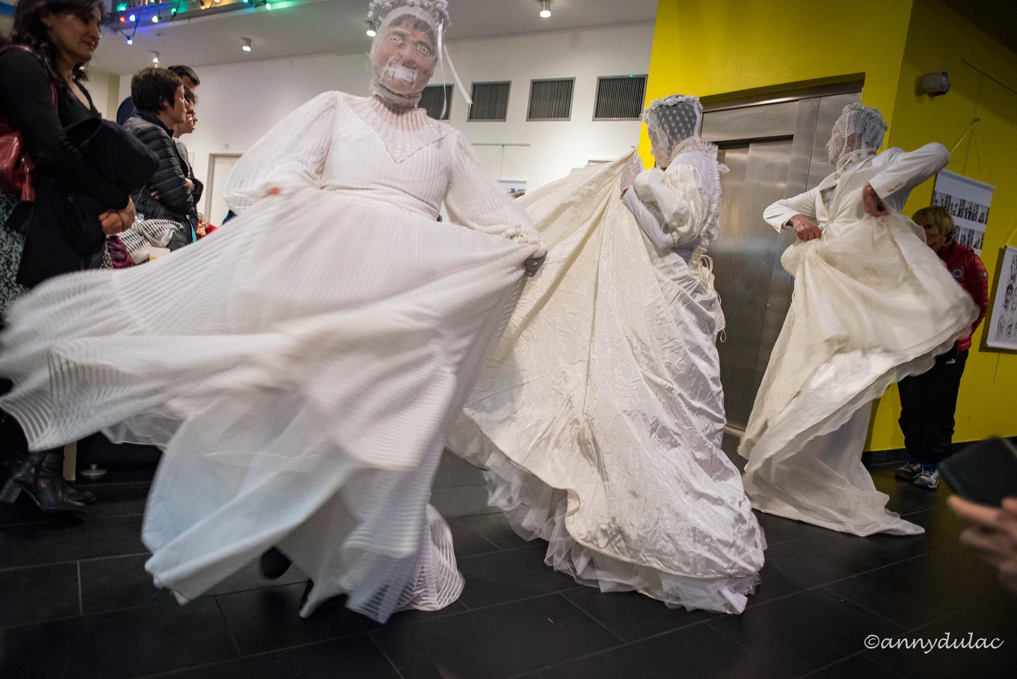 """performance """"les mariées"""" collectif KMK avril 18"""